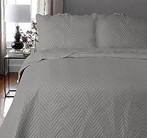 coton modus grau arcade tagesdecke quilt mit kissen gr en. Black Bedroom Furniture Sets. Home Design Ideas