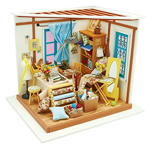 ROBOTIME Dollhouse Kit Rénovation de meubles Woodcraft Kit de Construction Mini Maison de Bricolage à la main Avec Lumières et Accessoires Miniature Home Decor Décor de Noël (Lisa's tailor)