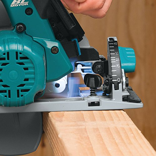 The Makita DHS680Z Brushless 18v Circular Saw is the first brushless circular saw made by Makita and it's the latest model of Makita's line of 18v Li-Ion cordless tools. With a new cutting edge brushless motor plus some new integrated features, the Makita DHS680Z looks set to become one of the most popular cordless circular saws on the market and first impressions says it certainly will be.