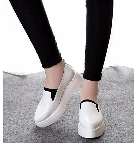QIYUN.Z Frauen Loafer Schuhe Klobig Flache Plattform Schwarz / Weiß Spitze Zehe Beleg Auf Schuh Weiß