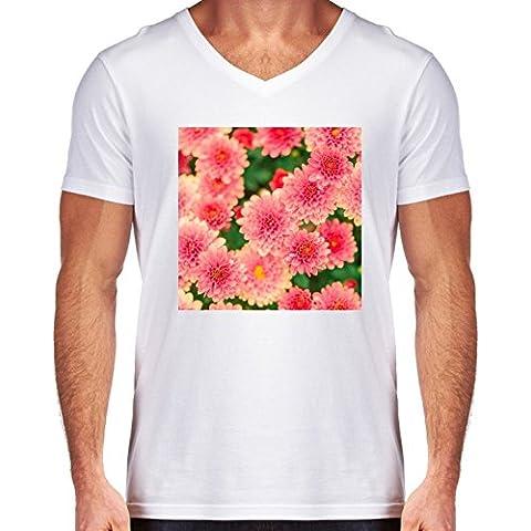 Camiseta V Cuello para Hombre - Dalias Rosadas Flores Floral by Petra