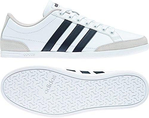 adidas Herren Caflaire Sneaker, Weiß (Footwear White/Carbon/Chalk Pearl), 43 1/3 EU (Fashion Sneaker)