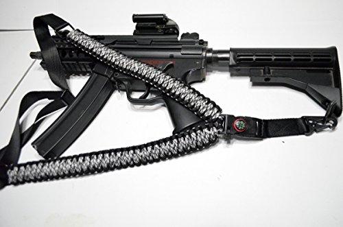 Acido Tactical® 550 ParaCord-Corda da paracadute a tracolla per fucile, dotata di bussola & silice Paintball, 127 cm, colore: bianco/nero - Paintball Gun Slings