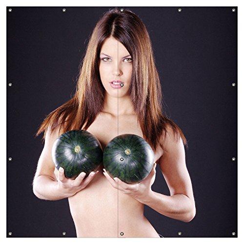 Wallario XXL Garten-Poster Outdoor-Poster - Schöne halbnackte Frau mit Melonen in Premiumqualität, für den Außeneinsatz geeignet