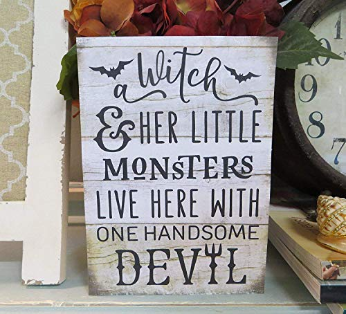 istiWood 25 × 30 cm Halloweenschild A Hexe and Her Little Monsters Live Here with One Handsome Devil Fall ations Fall Halloween Schild Holzschild Home Wall Art Decoration Sign Gift CB 682475