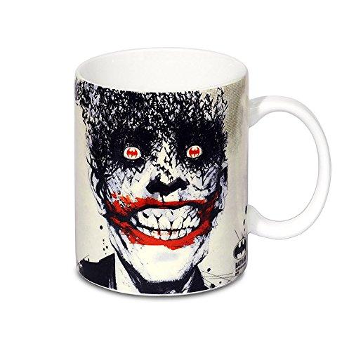Diseño de Joker de la taza de café de murciélagos de la cara de cómic