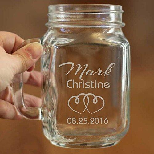 Braut und Bräutigam Hochzeit Mason Gläser Custom Mason Jar Becher Glas mit Namen und Datum Persönlichen Geschenk für Couple Herz Decor Jahrestag Verlobung Hochzeit Glas Tasse 16Oz
