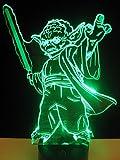 originelle 3D LED-Lampe Yoda als Jedi-Ritter mit Lichtschwert im Kinderzimmer