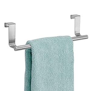 mDesign Toallero sin taladro – Percha para puerta de acero inoxidable ideal para paños de cocina o toallas de baño…