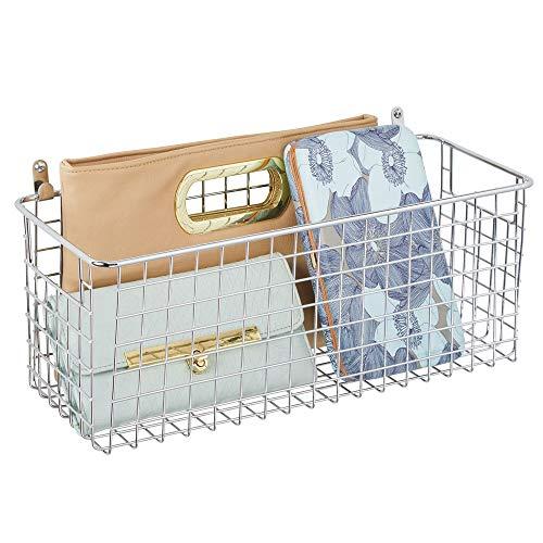 mDesign Wandregal aus Metall - mittelgroßer Ablagekorb für Flur, Schlafzimmer und andere Räume - Organizer für Briefe, Geldbörsen, Sonnenbrillen oder Badaccessoires - silberfarben