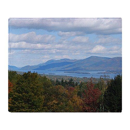 CafePress Lake George Valley Überwurfdecke 50x60 weiß