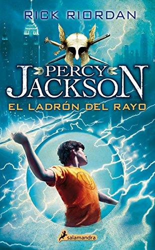¿Qué pasaría si un día descubrieras que en realidad eres hijo de un dios griego que debe cumplir una misión secreta? Pues eso es lo que le sucede a Percy Jackson que a partir de ese momento se dispone a vivir los acontecimientos más emocionantes de s...