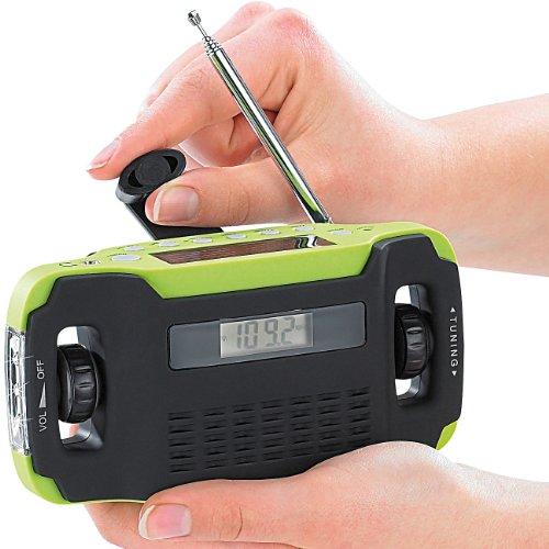 "infactory Kurbelradio: Batteriefreies Solar- & Dynamo Koffer-Radio ""SOL-1510"" (Outdoor Radio)"
