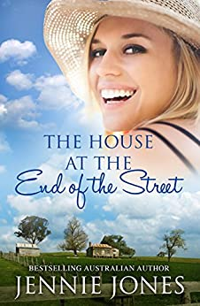 The House At The End Of The Street (Swallows Fall Book 5) by [Jones, Jennie]