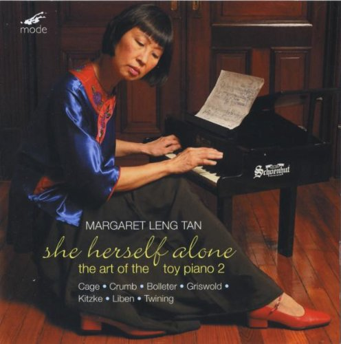 leng-tan-she-herself-alone-the-art-ot-the-toy-piano-2