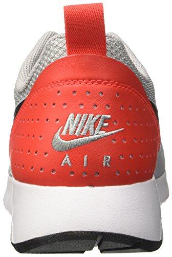 huge discount e5d6f 9a959 ... Nike Air Max Tavas, Chaussures De Course Multicolores Pour Homme (gris  Loup   Noir ...