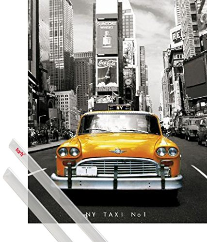 1art1® Poster + Suspension : New York Mini Poster (50x40 cm) Taxi No 1, Yellow Cab sur Times Square Et Kit De Fixation Transparent