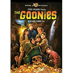 The Goonies Poster (27 x 40 Inches - 69cm x 102cm) (1985) Style C