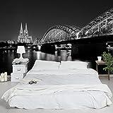 Vliestapete–Köln bei Nacht II–Wandbild breit