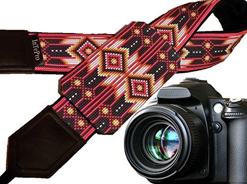 Kameragurt inspiriert von Native Americans. Rot, weiß, schwarz Ornaments. Bright Pocket Kameragurt. Personalisierte Geschenke. Urlaub gifts. Code 00326 -