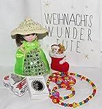 110612 Kinder Weihnachts Wundertüte für Mädchen Nikolaus Geschenk Set mit Cupcake Surprise Puppe Schutzengelanhänger und Nikolausstiefel