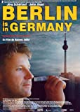 Berlin Is in Germany Plakat Movie Poster (27 x 40 Inches - 69cm x 102cm) (2001) Spanish
