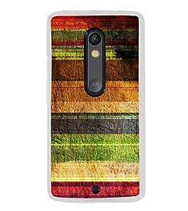 Multicolour Layer Pattern 2D Hard Polycarbonate Designer Back Case Cover for Motorola Moto X Play