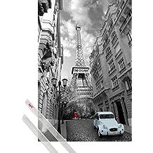 Póster + Soporte: Torre Eiffel Póster (91x61 cm) Paris, Woman In Red, Blue 2CV Y 1 Lote De 2 Varillas Transparentes 1art1®