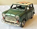 Lovely Grande boîte rétro vintage Mini Style de voiture en métal avec Union Jack Toit Ornement–24cm de long–Excellent Cadeau Ornement pour une étagère ou un bureau.
