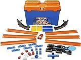 Hot Wheels DWW95 Track Builder Superstunt Box, Trackset und Zubehör Kiste mit Bausteinen und Starter inkl. 1 Spielzeugauto, Geschenkset ab 6 Jahren
