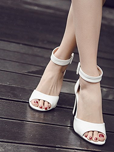 Aisun Damen Lack Offene Zehe Knöchelriemchen Metallic Blockabsatz Sandalen Weiß