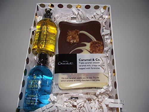 Molton Brown/Hotel Chocolat Set Regalo-1X 30ml Suma Ginseng e 1x 30ml eycaluptus bagno e doccia gel e 6-Latte cioccolatini