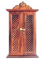 Bellissimo portachiavi armadio è un mobile da appendere alla parete per riporre le chiavi in un unico posto. Il prodotto è fatto di puro sesum legno in India del Nord. Il suo design elegante e design etnico rafforzerà la decorazione della parete