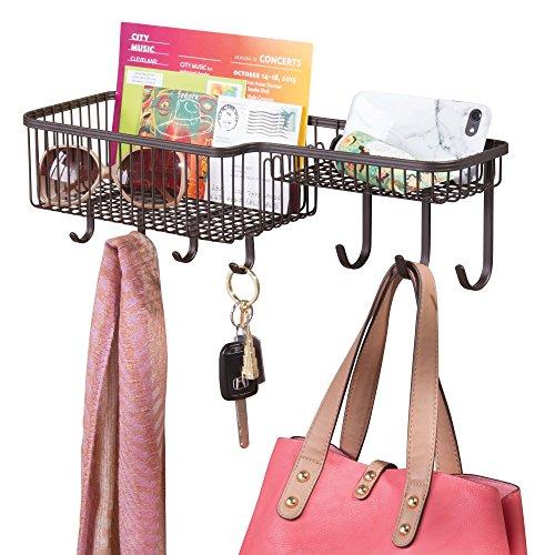 mDesign mittelgroßer Briefhalter aus Metall - Ablagekorb für die Wand zur Aufbewahrung von Post etc. - praktisches Schlüsselboard inkl. Haken für Jacken, Hundeleinen oder Schlüssel - bronzefarben