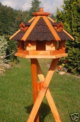 Vogelhaus behandelt mit Ständer