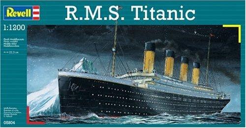 Preisvergleich Produktbild Revell Modellbausatz Schiff 1:1200 - R.M.S. Titanic im Maßstab 1:1200, Level 3, originalgetreue Nachbildung mit vielen Details, Kreuzfahrtschiff, 05804