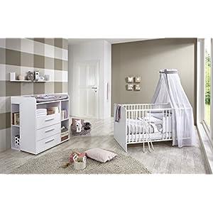 Babyzimmer/Babymöbel komplett Set KIM 6 in Weiß, Set mit Babybett, Lattenrost, Wickelkommode mit Wickelaufsatz und 2 Unterbauregalen sowie Wandregal, Made in Germany