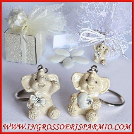 Charms/porte-clés en résine en forme d'éléphants avec un coeur ou un trèfle porte-bonheur entre les pattes–Bonbonnière marque-place pour naissance, baptême, anniversaire, confirmation kit 12 pz. vert