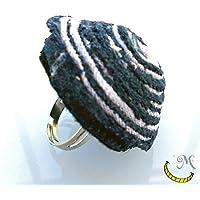 Grande anello di stoffa riciclata, ooak, riciclo stoffe, handmade, gioielli, anelli, eco, accessori originali, eco, regali per lei, donna