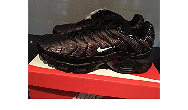 buy popular 069f7 142c1 Nike Air Max Plus TN Tuned 1 Mens Trainers UK9 Black Purple Rare Limited  Edition  Amazon.co.uk  Shoes   Bags