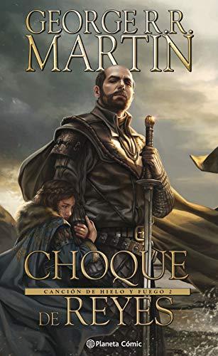"""Después de los hechos de """"Juego de Tronos"""", la guerra civil asoma en Poniente cuando Daenerys Targaryen, como heredera de la dinastía Targaryen, busca reclamar el Trono de hierro. Arya, con la ayuda de Yoren, un hermano de la Guardia de la Noche, ha ..."""