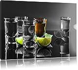 Tequila Shots mit Limetten schwarz/weiß Format: 60x40 auf Leinwand, XXL riesige Bilder fertig gerahmt mit Keilrahmen, Kunstdruck auf Wandbild mit Rahmen, günstiger als Gemälde oder Ölbild, kein Poster oder Plakat