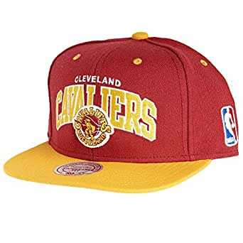 Mitchell & Ness NBA Cleveland Cavaliers Team Arch Snapback Cap NA80Z Kappe
