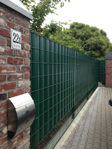 sichtschutz-sigma-fur-doppelstabmatten-26-lfdm-in-moosgrun-made-in-germany
