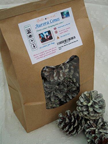 Preisvergleich Produktbild Aurora Cones Farbwechsel-Tannenzapfen für Kamine, Grills, offene Feuer (20Stück)