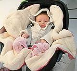 Wallaboo Einschlagdecke für Babyschale, Autokindersitz, für Kinderwagen, Buggy, Babybett, Schönen Blumenform, Veloursleder und fleece, 85 x 85 cm, 0 - 12 Monaten, Farbe: Rosa