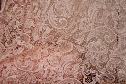 Guipure Blumenmuster Brautkleid, bestickte Blumen, Spitzenstoff, Muschelbordüre, 140 breit, Pink