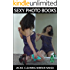 Jackie Cleaning Mirror Naked - Sexy Picture Books (English Edition)