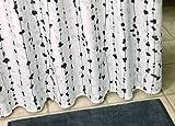 Duschvorhang Textil ~ Motiv: Blüten / Blumen / Ranken ~ Farbe: weiß schwarz und grau ~ Maße: 180 x 200 cm ~ 100 % Polyester ~ mit 12 Ösen ~ ohne Duschringe