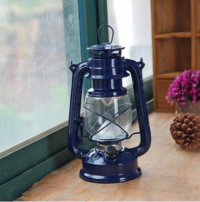 Rétro lampe à pétrole vintage, lanterne, huile de tir de mariage en plein air avec des lumières portatives, lampe à huile ancienne, éclairage de bateau
